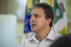GOVERNADOR CAMILO SANTANA EM SUA TRANSMISSAO NO LIVE DO FACEBOOK