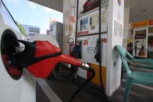 FORTALEZA, CE, BRASIL, 04-01-2018: Com o aumento de 7,8% no preço da gasolina nos postos, o litro chega a R$ 4,39 na Capital. (Foto: Mauri Melo/O POVO).